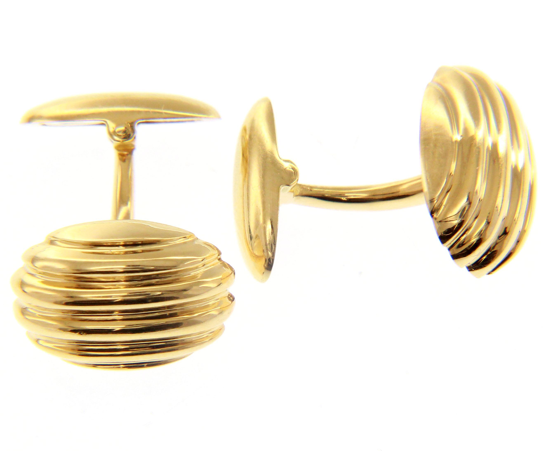 Classic and elegant 18ct Yellow gold ball shaped Cufflinks.