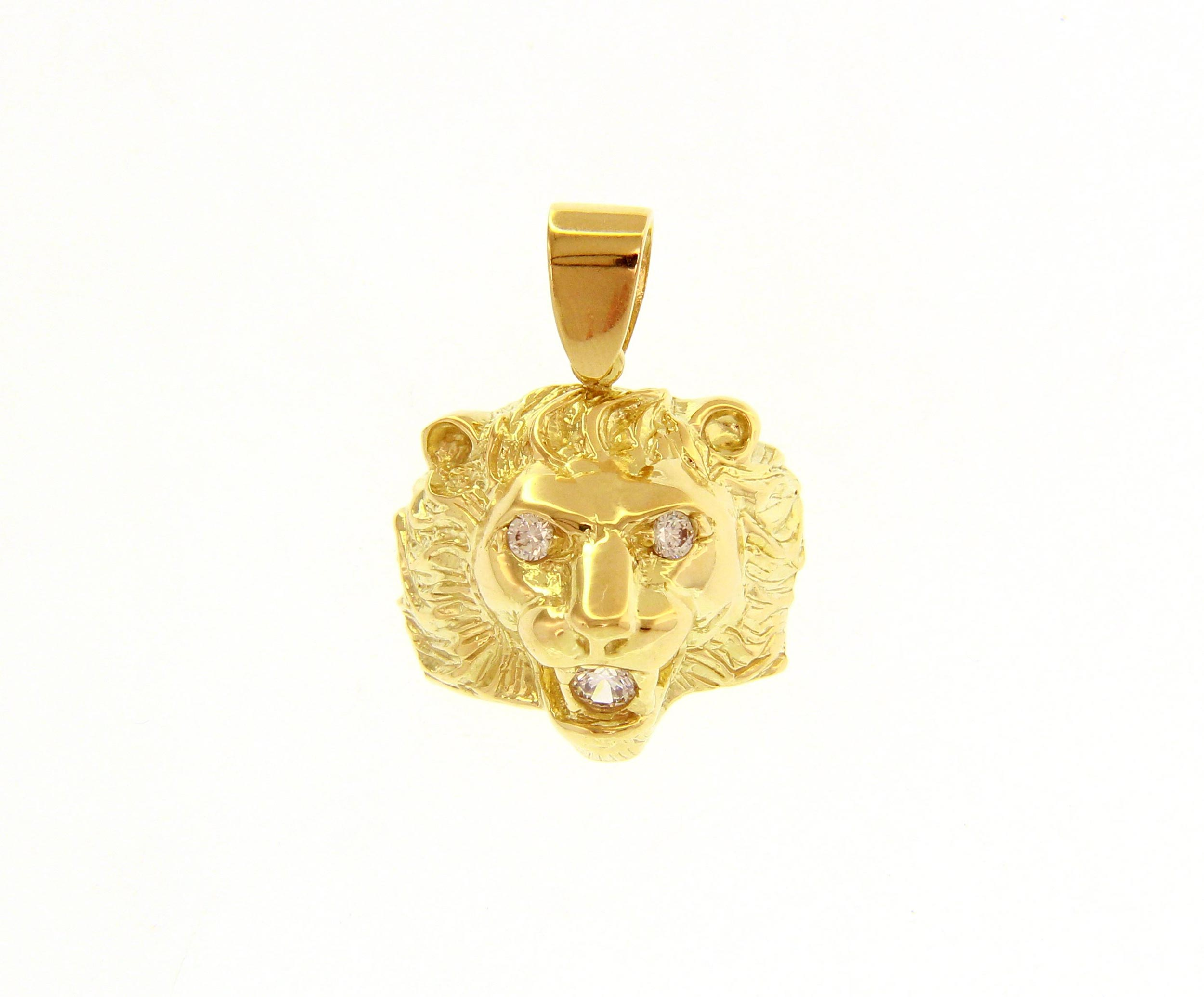 Classically cool, 18ct Yellow Gold Pendant with Cubic Zirconia
