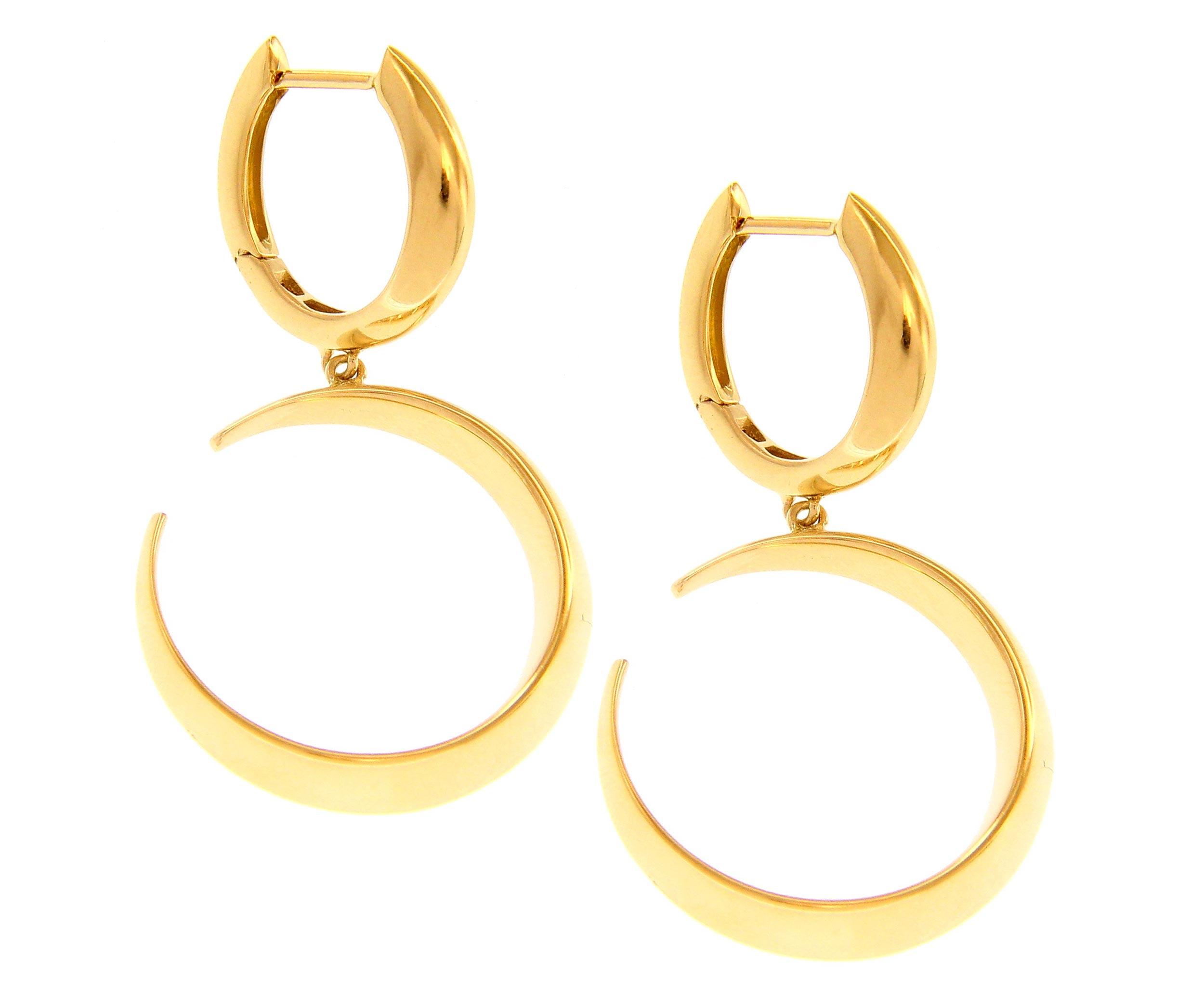 Beautiful 18ct Yellow Hinged Snap Earrings