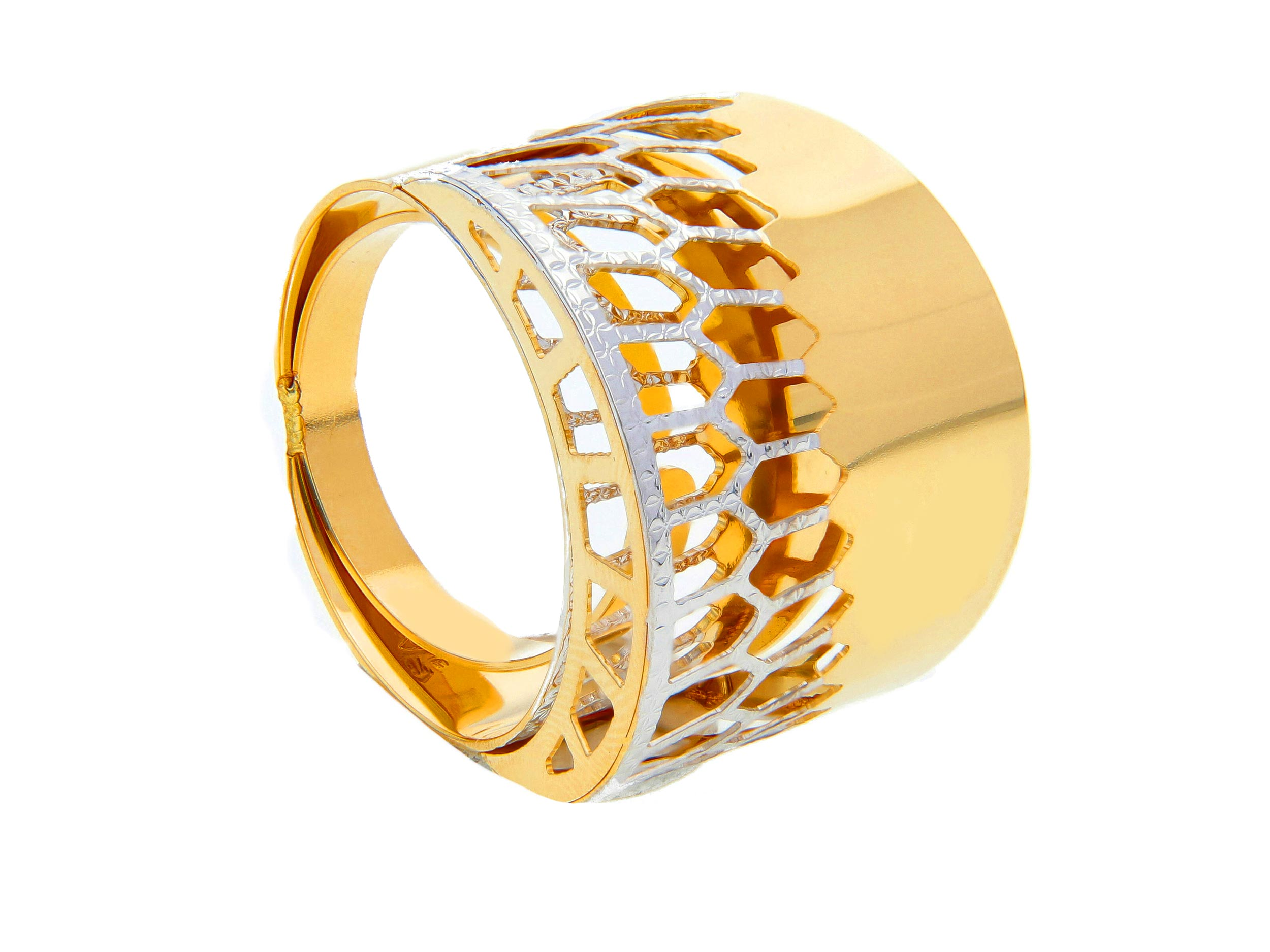 Beautiful 18ct Yellow Gold and Enamel Ring
