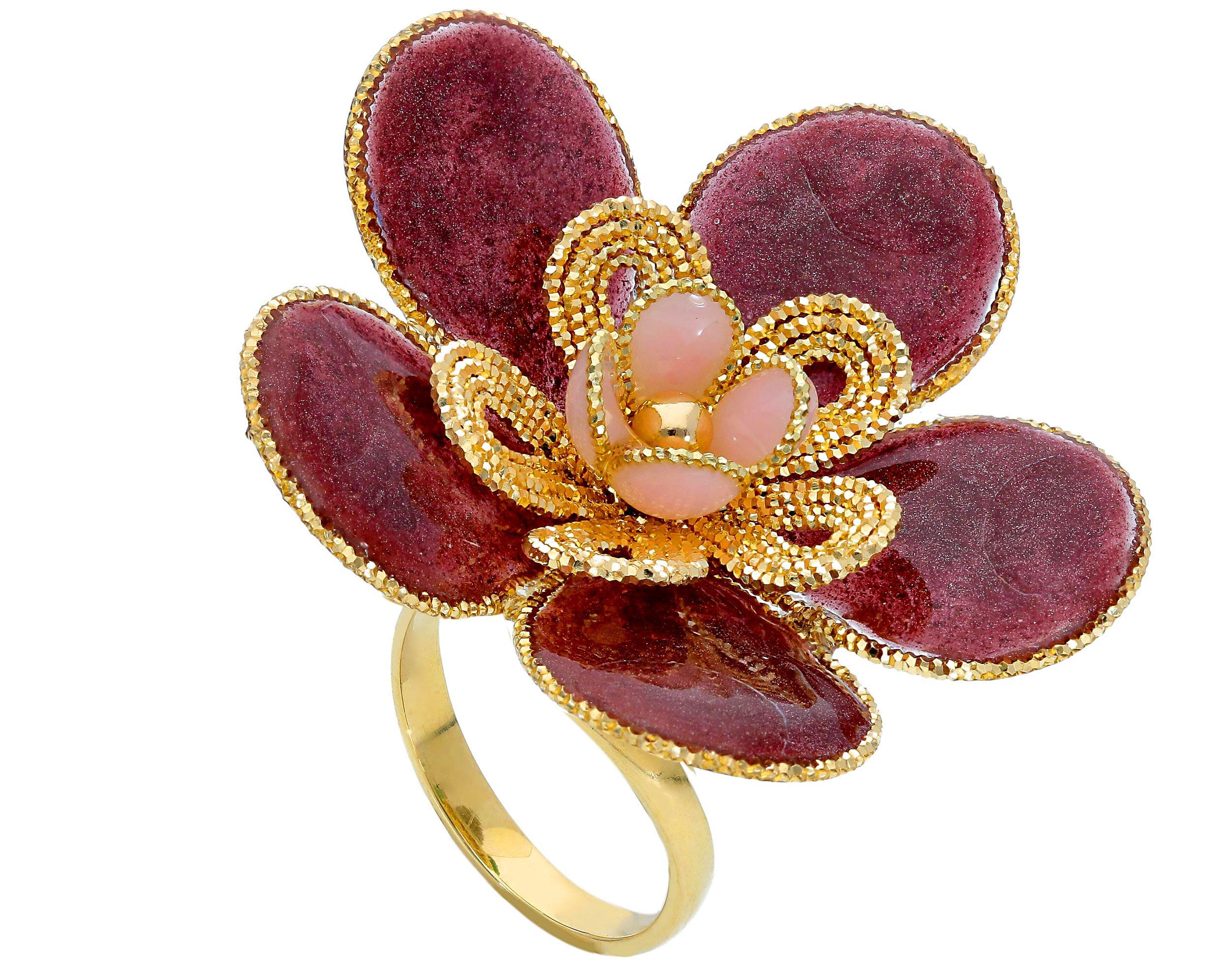 Beautiful 18ct Yellow Gold Ring