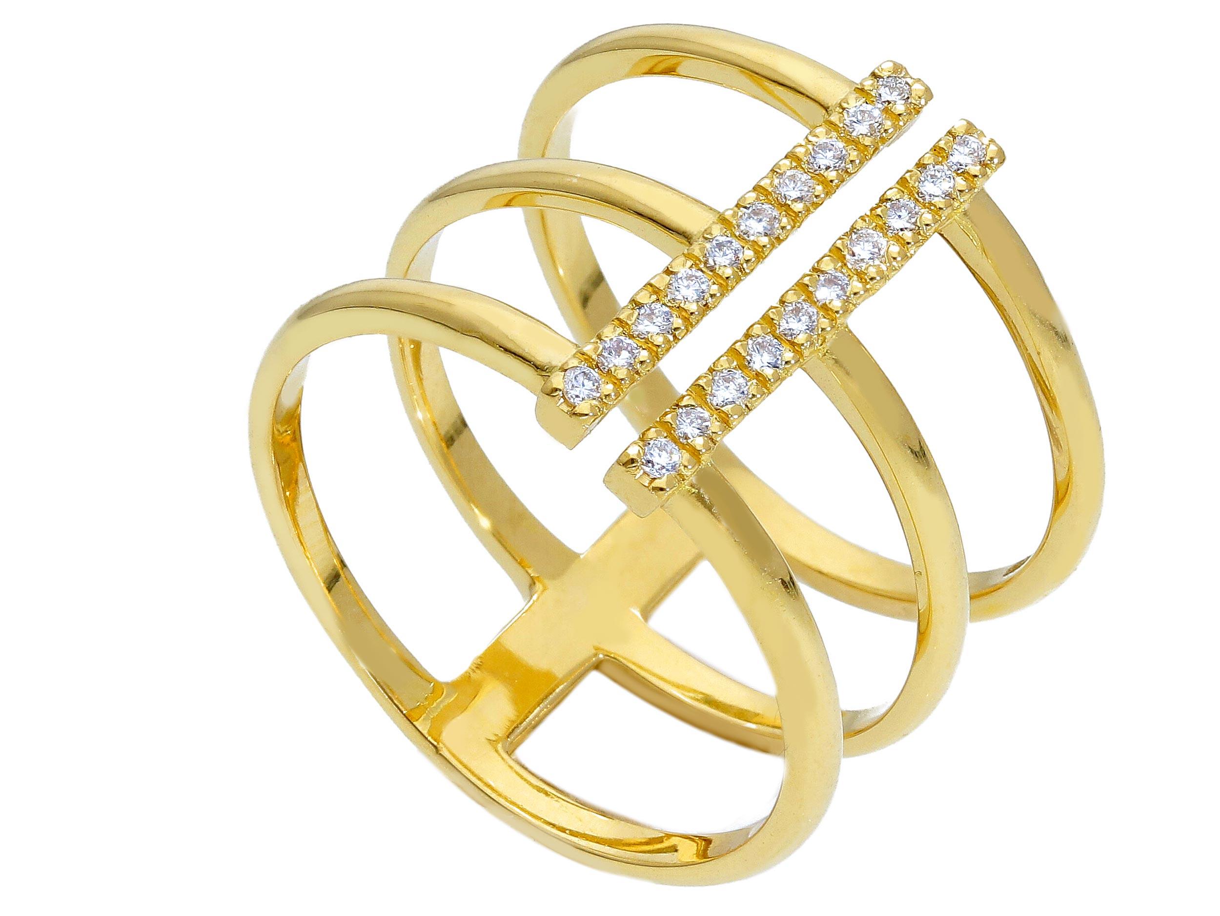 Beautiful Yellow gold ring with Diamond Ct0.15