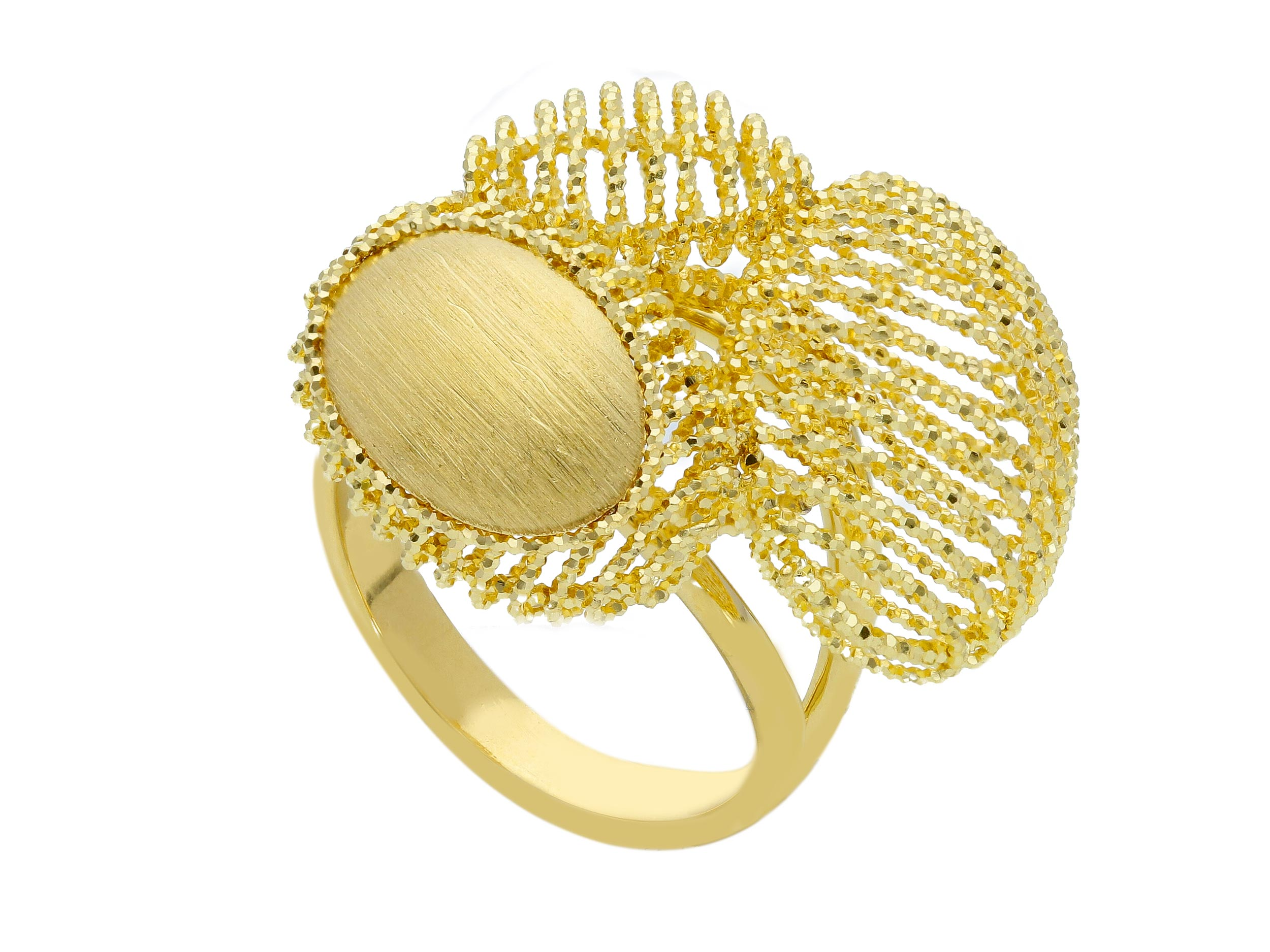 Beautiful 18ct Yellow Gold and Ring
