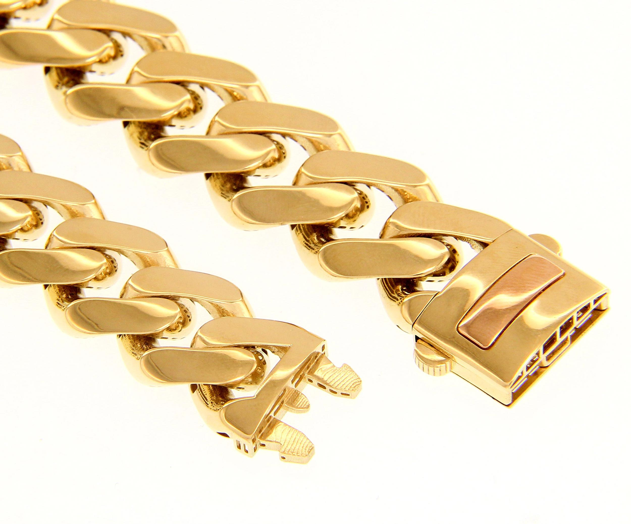 Stylish, Urban 18ct Yellow Gold Filo 1.55 21cm Bracelet